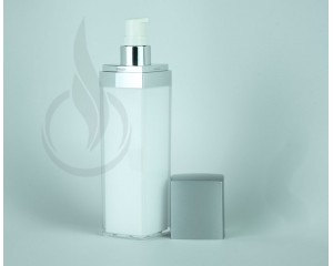 100ml Silver Lid Square Series Bottle